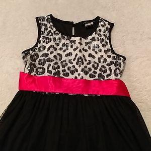 Girls dress, size M, 8